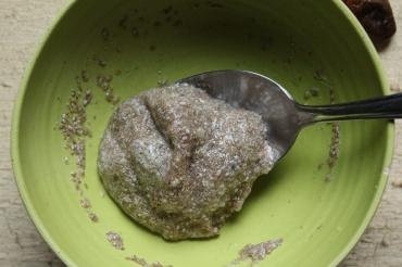 Gesunde Weihnachtsbäckerei_vegane Kokosmakronen_natürliche_gesüßt_Chia-Samen_als_Ei-Ersatz_Backen