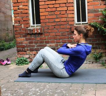 Situps und Crunches- Die richtige Ausführung und wie sich die beiden Bauch-Übungen unterscheiden