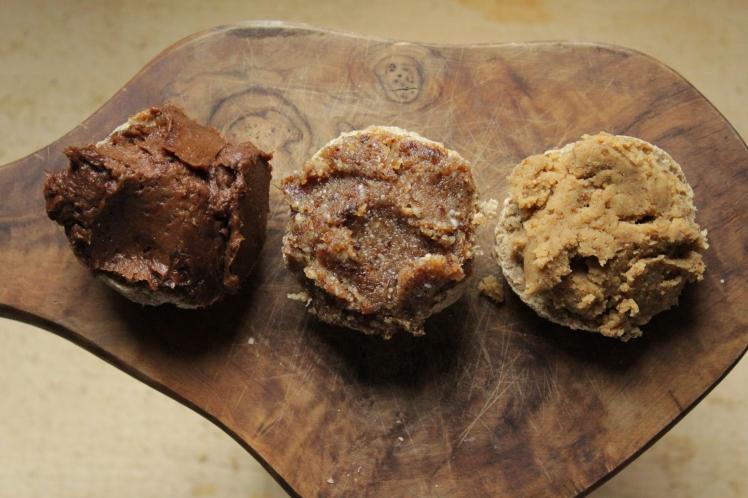Ideen fürs Brunch: süße, vegane Brotaufstriche glutenfrei ohne Industriezucker alternativ gesüßt mit Trockenfrüchten
